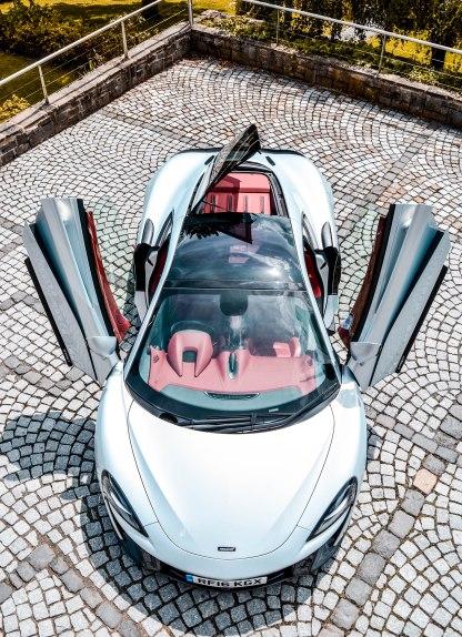 570 GT (13 of 71)