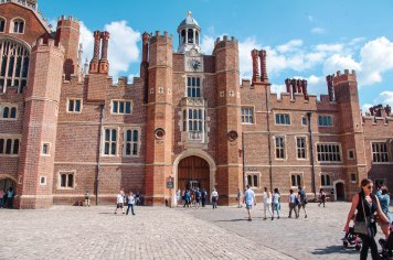 Hampton Court Palace (1 of 146)