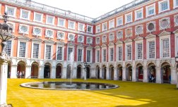 Hampton Court Palace (2 of 146)
