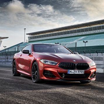 BMW 8 Coupe social 025