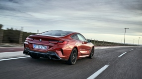 BMW 8 Coupe social 106
