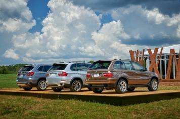 BMW X5 Classic Cars Group Shots 12