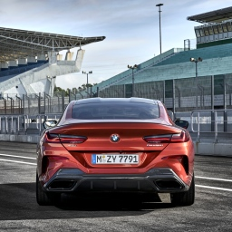 BMW 8 Coupe social 020